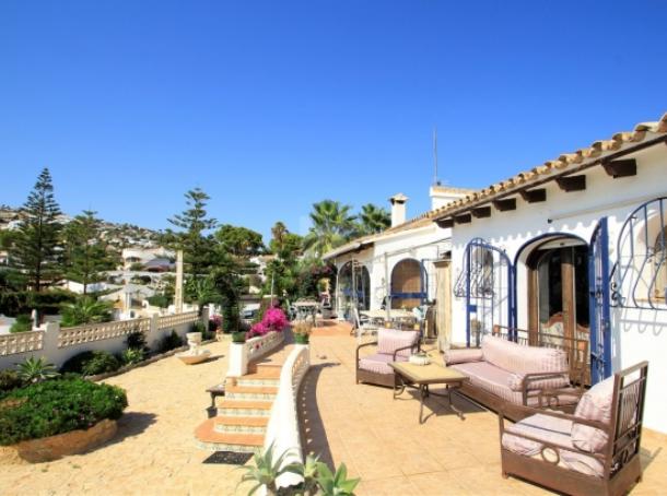 Exclusive, Large Villa